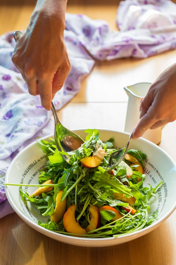 A recipe for a fresh Arugula and Nectarine Salad with cool Yogurt Dressing for these hot summer days.