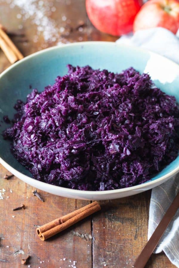 Blaukraut in a blue bowl